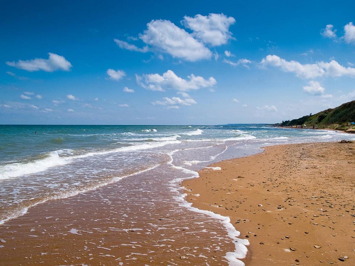 пляжи черного моря россии фото чарли лежал