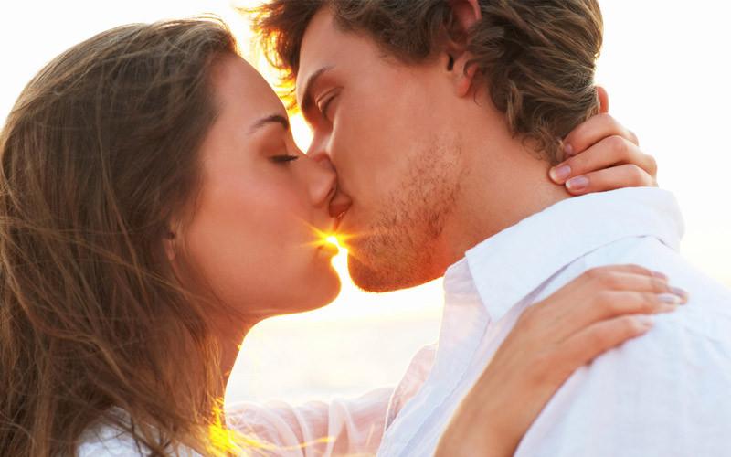 Целую картинки с поцелуем
