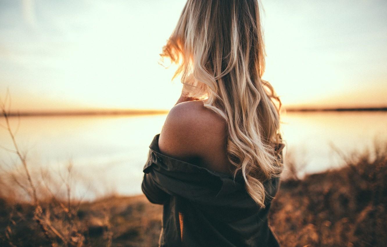 Фото и картинки со спины девушек