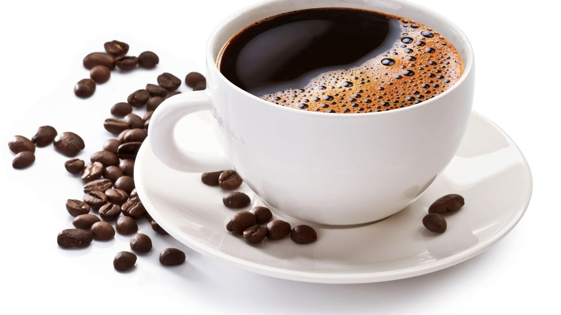 фото кружки кофе на столе